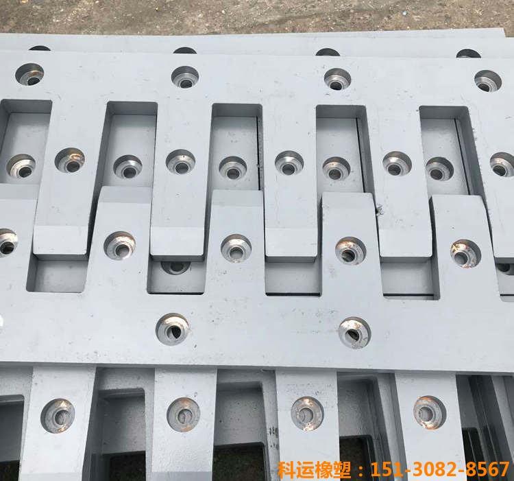 科运橡塑d80型桥梁伸缩缝装置生产研发基地3